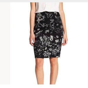 PHILOSOPHY straight pencil skirt w pattern